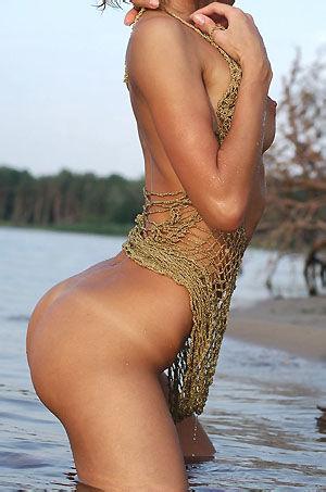 Nikol Naked Girl By The Lake