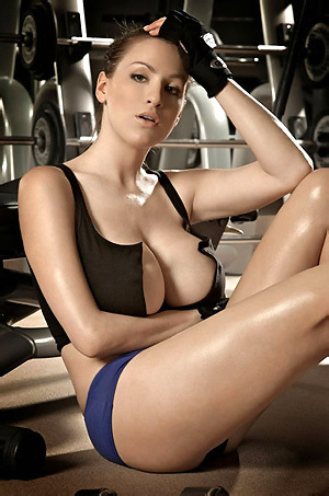 Busty Jordan Carver Working Out