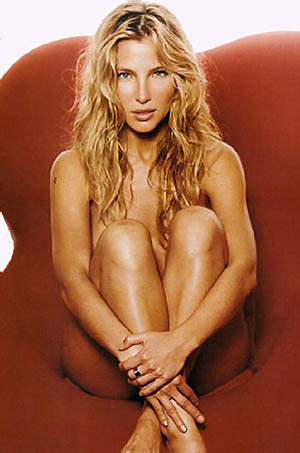 Elsa Pataky Uncovers Her Body