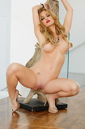 Angela Sommers Posing Nude