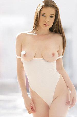 Penny Brooks Gets Nude