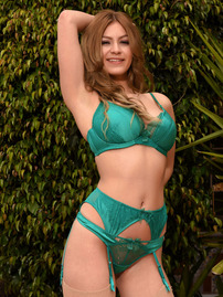 Summer Strips Off Her Sexy Green Lingerie