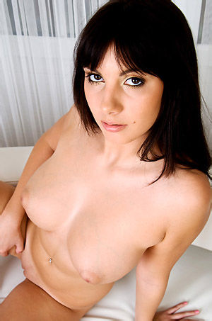 Connie Carter Natural Busty Beauty Posing Nude