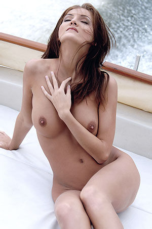 Ivette Hot Girl Posing Nude On A Boat