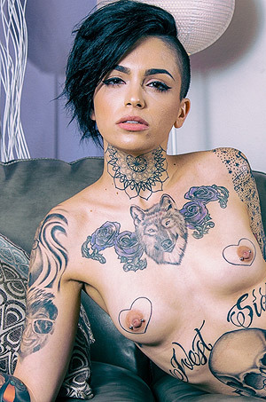 Horny Tattooed Girl Leigh Raven