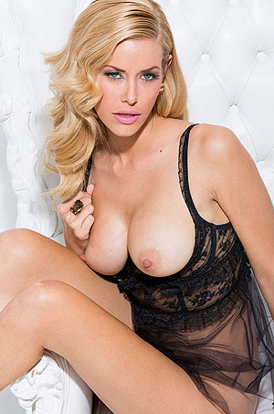 Busty Blonde Kennedy Summers