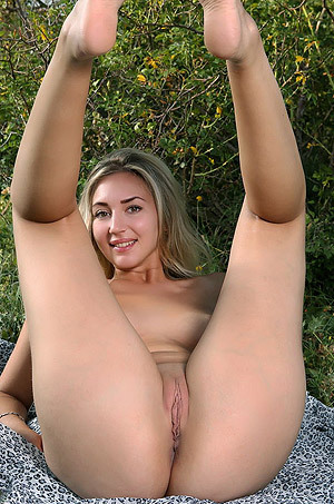 Naked Lovely Milena