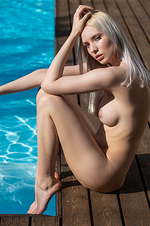 Naked Monica Wasp Relaxing Holiday