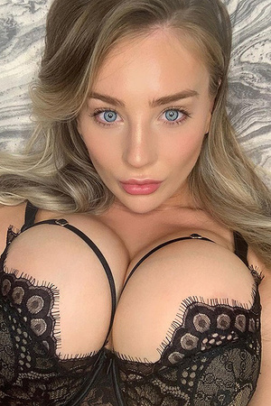 Big Boobed Beauty Bethany Lily April